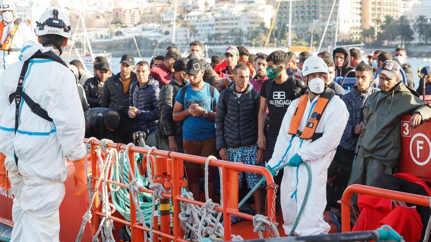 Moncloa pide a las autonomías solidaridad con la situación migratoria canaria