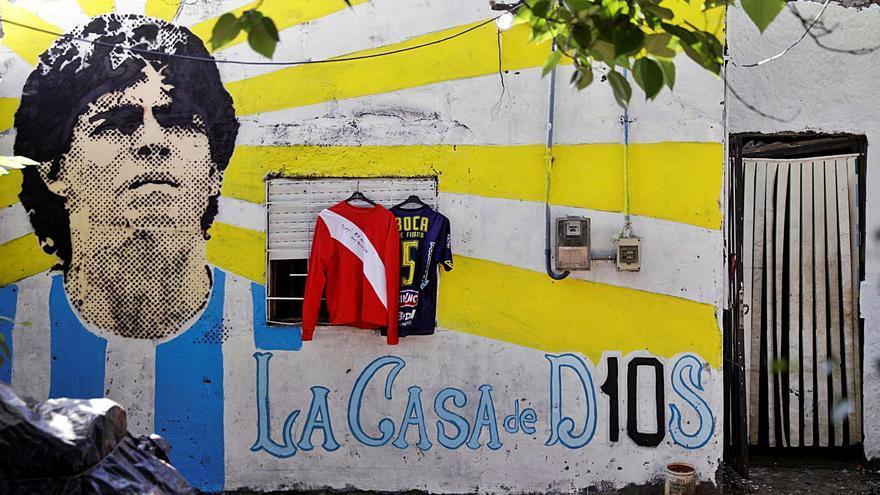 La familia Maradona se despide del mito y se abre la disputa de la herencia