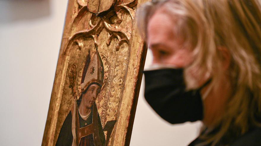Recuperan una tabla del siglo XV quemada en la Guerra Civil en la Catedral de València