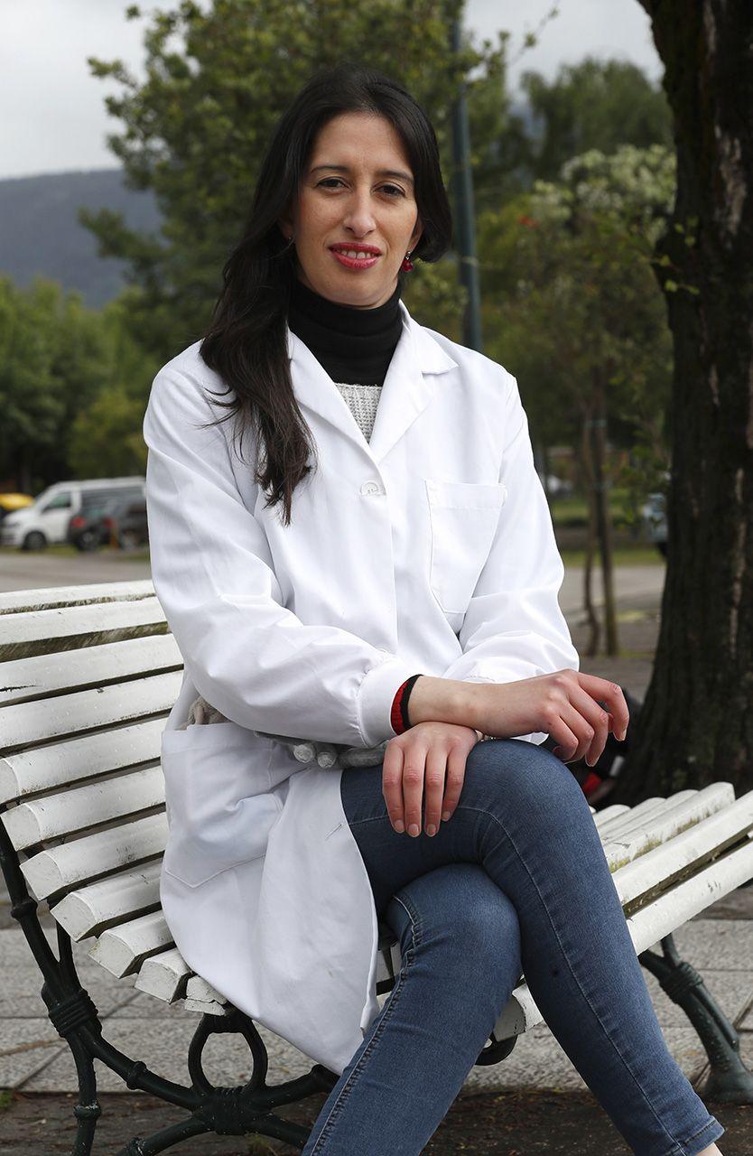 Paula Rivas, en Cesantes, con su bata de laboratorio.