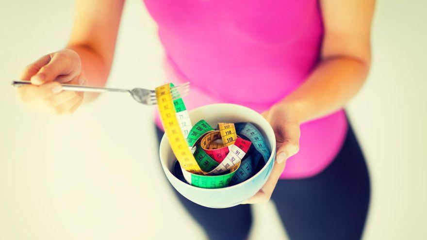 La clave de los nutricionistas para perder grasa abdominal y adelgazar después de los 40 años
