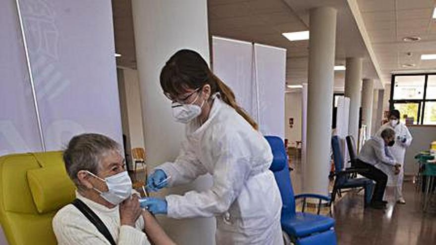 Baja el porcentaje de personas que acuden a vacunarse al Port de Sagunt