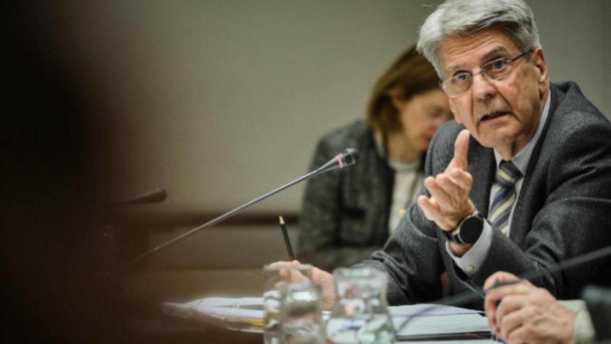 """Canarias ve poco """"elegantes"""" las críticas de la ministra de Trabajo sobre los ERTE"""
