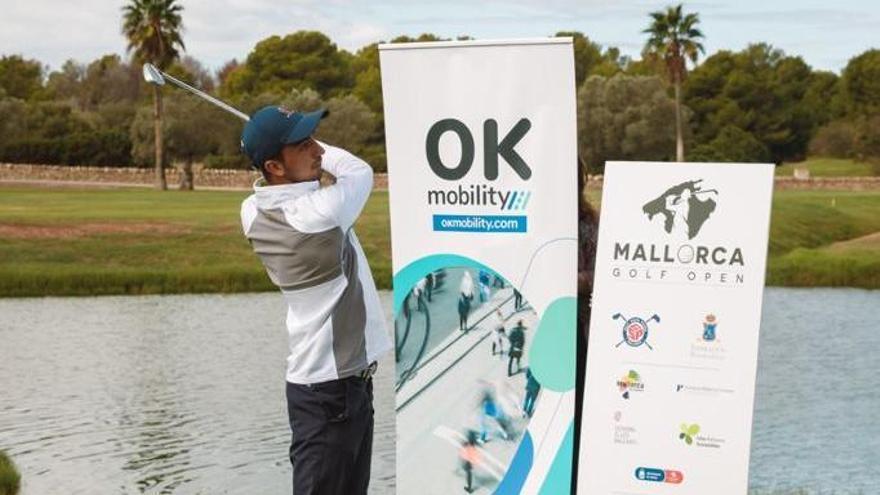Presentación oficial del Mallorca Golf Open en el Golf Santa Ponça, junto con las instituciones y colaboradores del torneo.