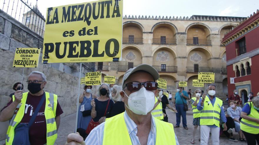 Protesta en Córdoba por el incumplimiento en las inmatriculaciones