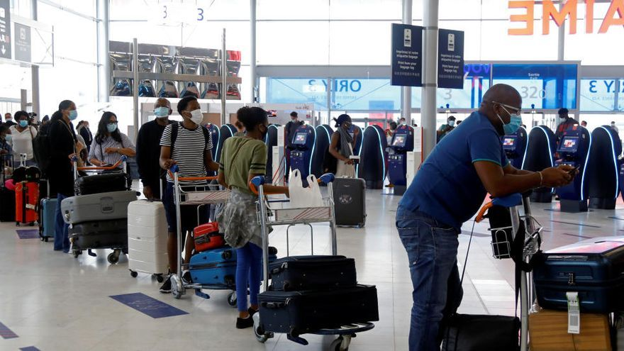 Los viajeros europeos que lleguen a Francia deberán aislarse durante 7 días