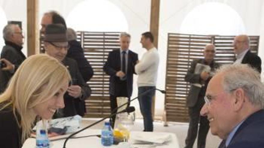 «Puigdemont está trastornado y con Torra me quedo sin adjetivos. En Cataluña las medidas que valen son camisas de fuerza»