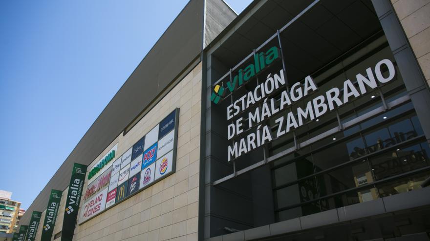 El centro comercial Vialia dona 2.700 litros de leche al banco de alimentos Bancosol