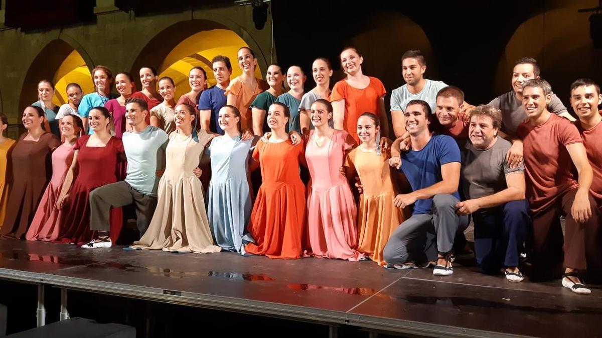 Membres del casal Cultural Dansaires Manresans