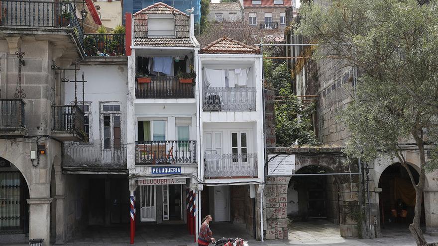 El Concello expropiará 5 inmuebles y parcelas en O Berbés para crear una plaza y espacios sociales