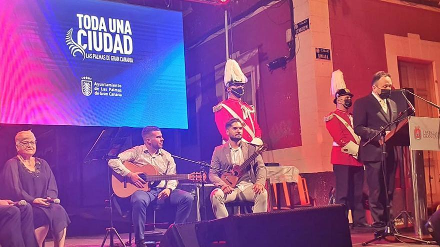 Pregón de las fiestas del Carmen en La Isleta: «Todo es poco para la Virgen»