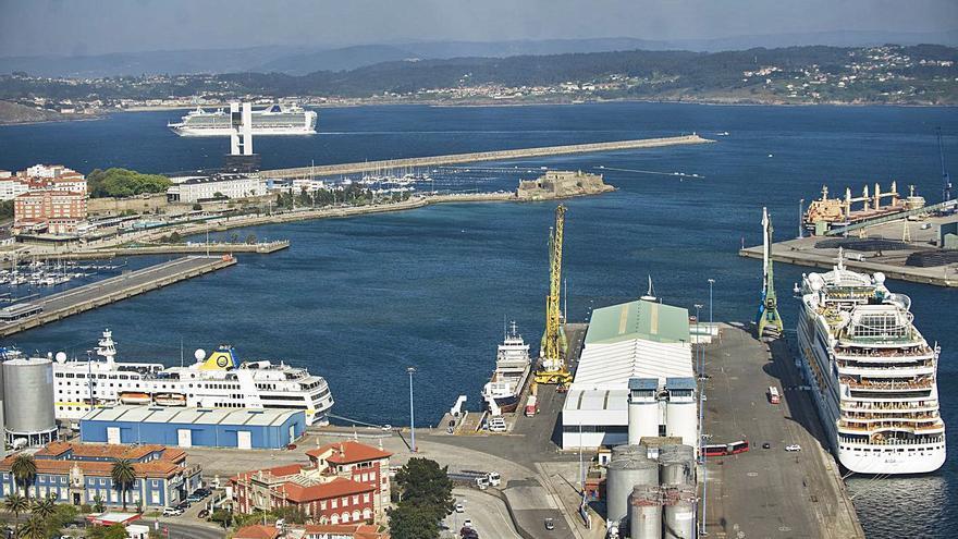 El Ayuntamiento de A Coruña quiere comprar el 75% de los muelles de Batería y Calvo Sotelo