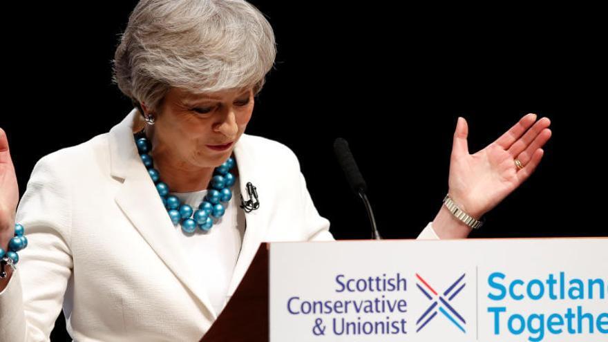 May presenta a l'oposició laborista un acord duaner continuista amb la UE