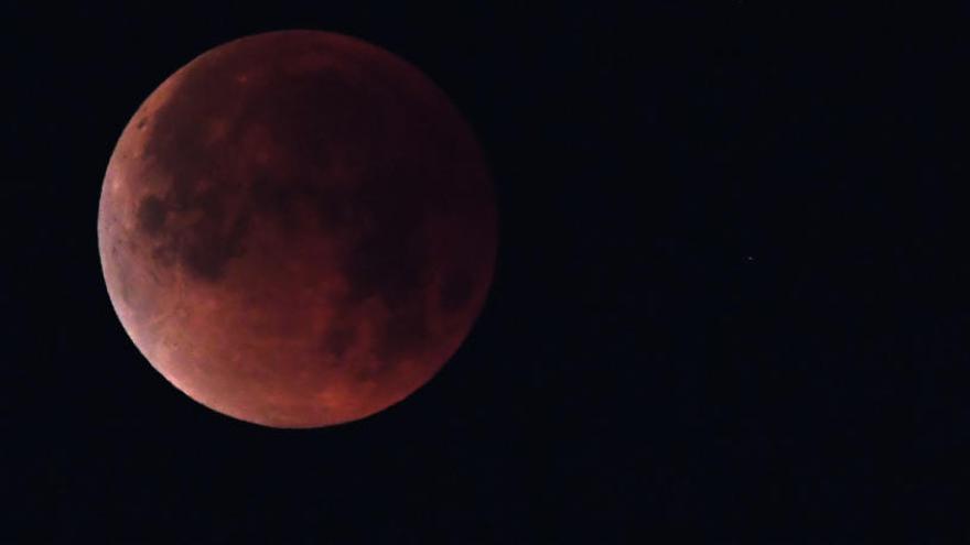 ¿Cómo afecta un eclipse de luna a las personas?