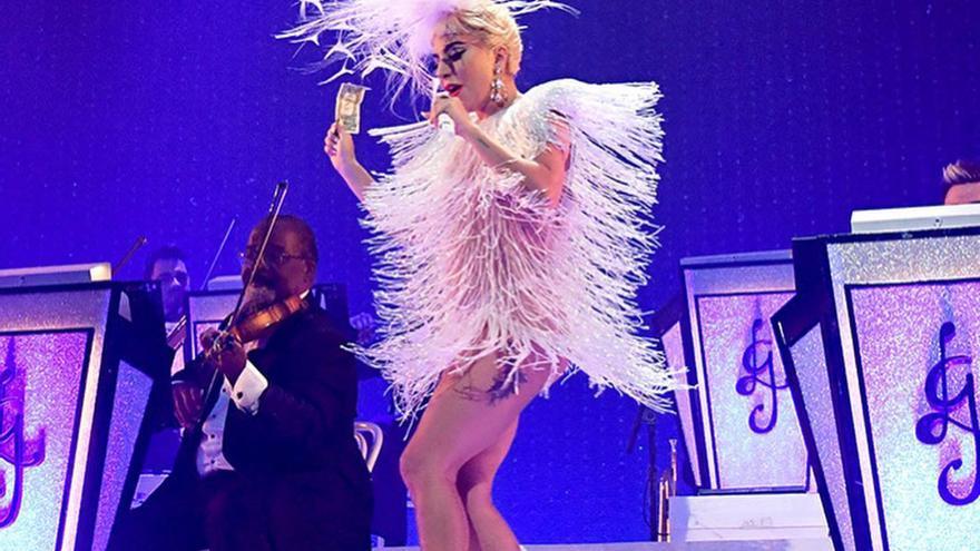 Manceras: el malagueño que ha vestido a Lady Gaga para su reaparición