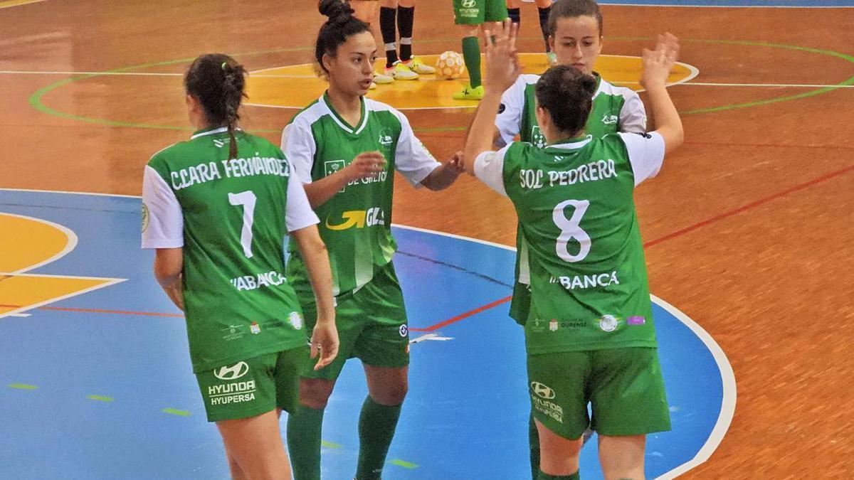 Un tiro de Clara Fernández fue el gol del empate para el Cidade de As Burgas.    // FERNANDO CASANOVA