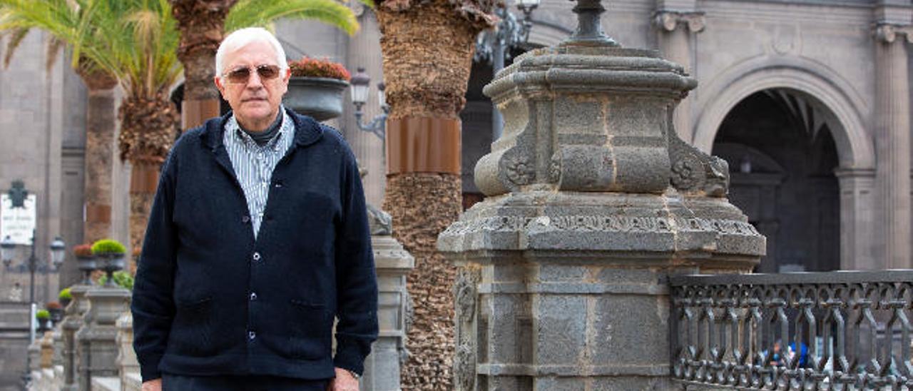 Jesús García Barriga, en la plaza de Santa Ana, ayer.