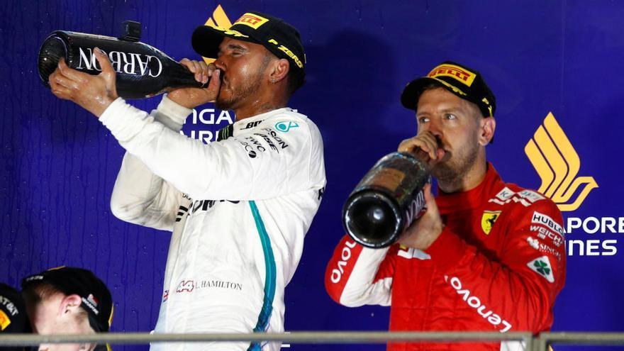 Hamilton brilla a la nit de Singapur i és més líder