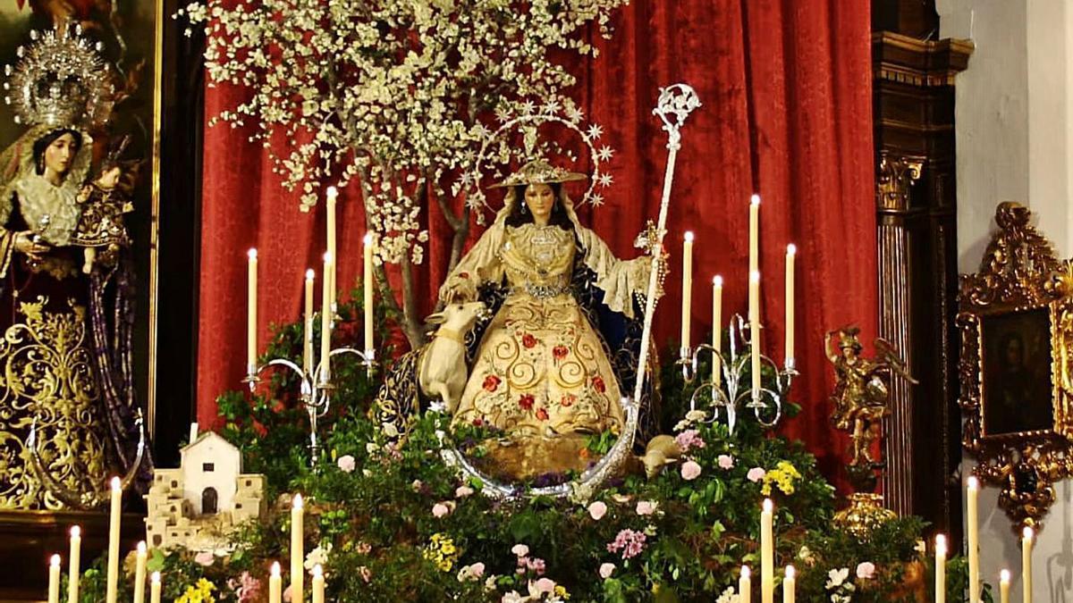 La Divina Pastora de las Almas, en el altar montado en Capuchinos para la celebración del triduo.