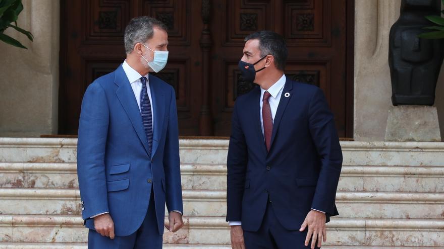 Felipe VI y Sánchez se reúnen en Marivent