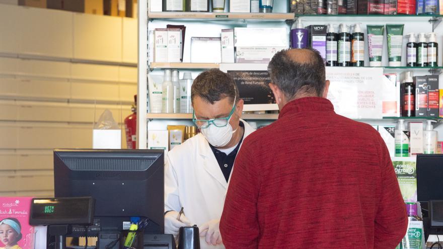 Las farmacias de Ibiza y Formentera ayudarán a pedir cita para vacunarse a los mayores