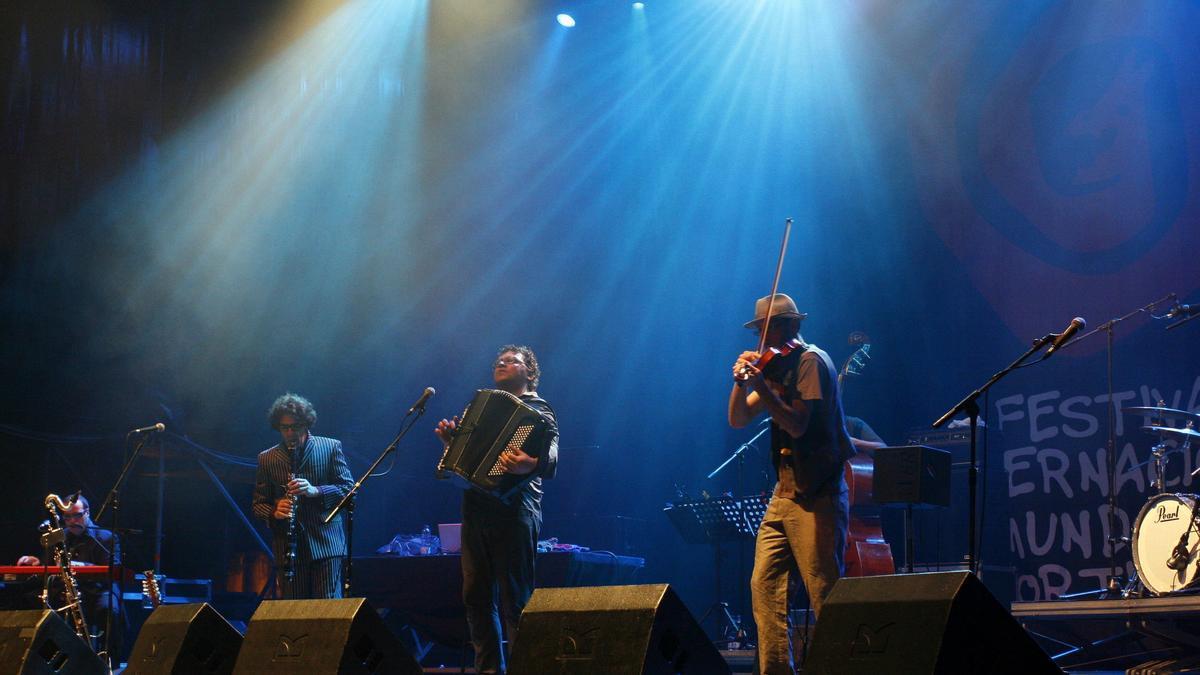 A banda galega Crebinsky no Festival do Mundo Celta de Ortigueira.