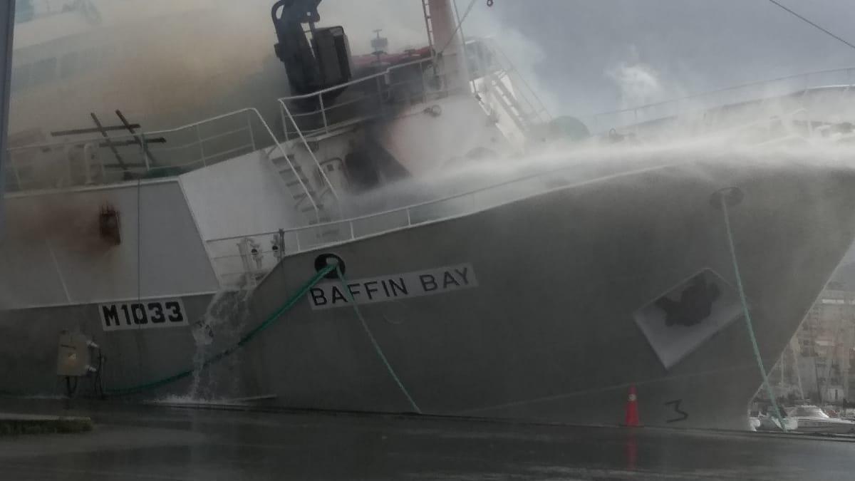 Incendio del pesquero Baffin Bay en el puerto de Vigo