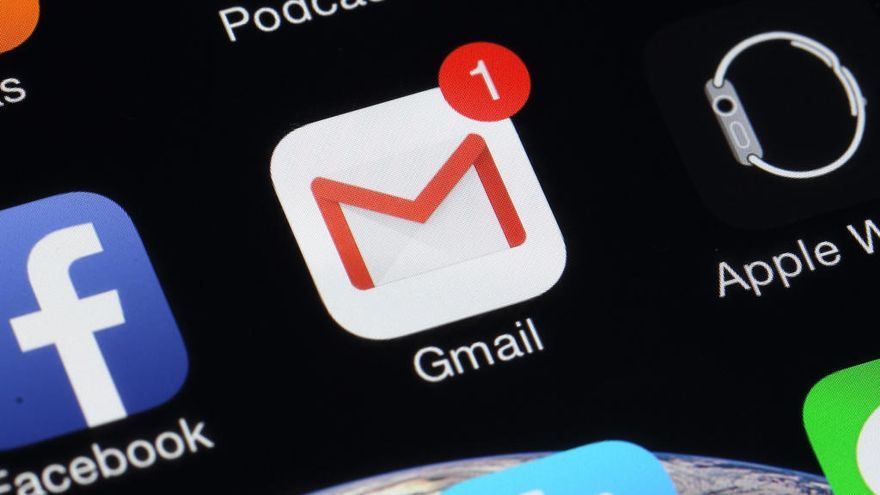 Gmail introduce el modo oscuro en Android 10