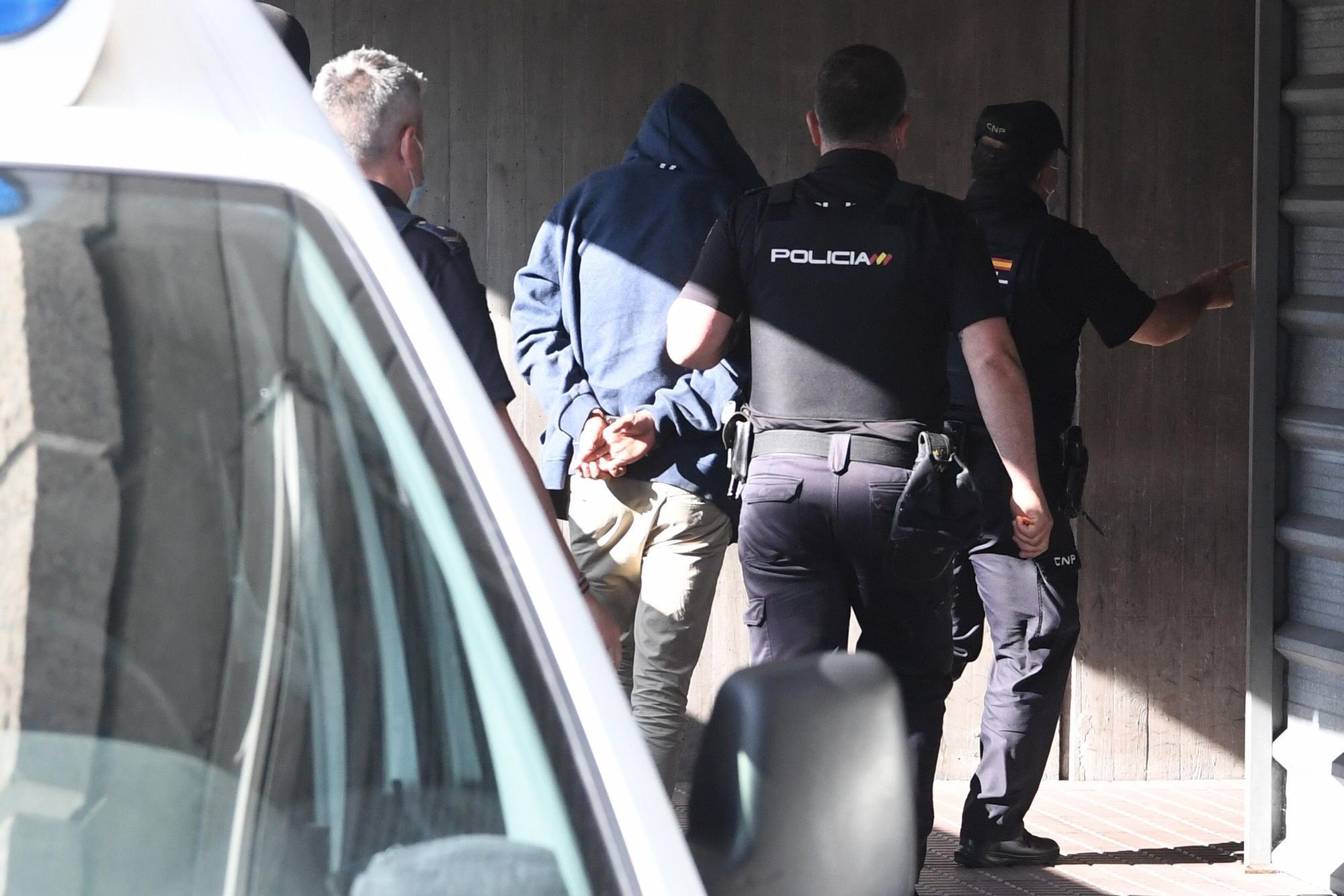 Los cuatro detenidos por el crimen de Samuel llegan a los juzgados de A Coruña