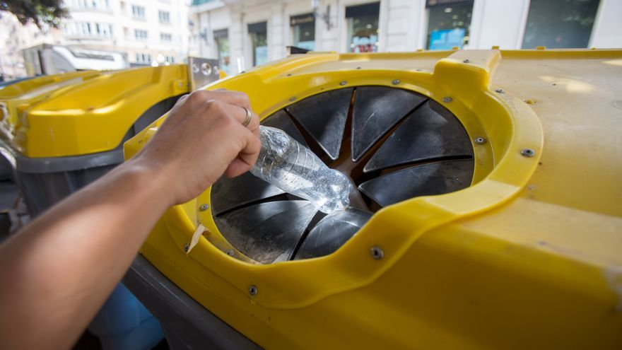 El PSOE acusa a Barcala de incumplir la normativa autonómica de residuos y dice que irá al Síndic