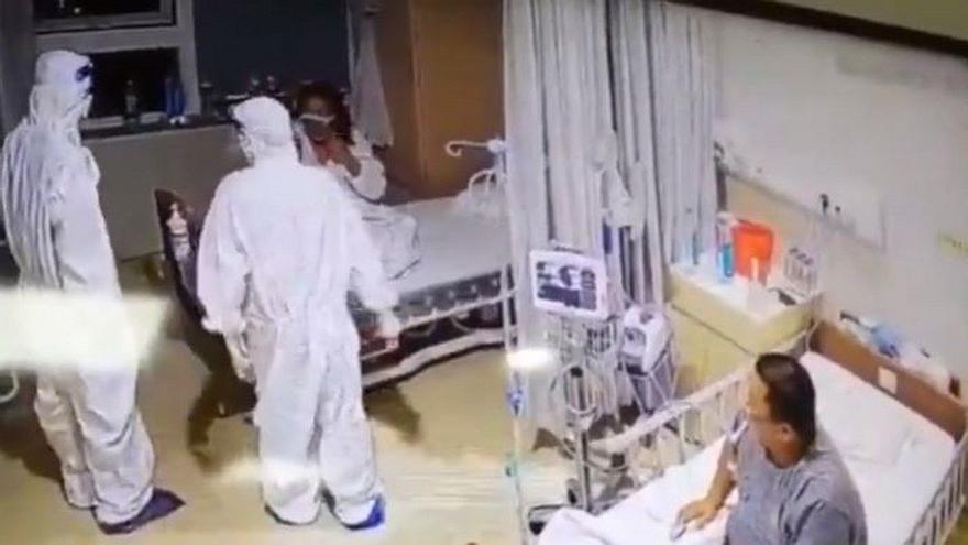 Una paciente con covid confunde a un enfermero con un fantasma y sus gritos despiertan a medio hospital