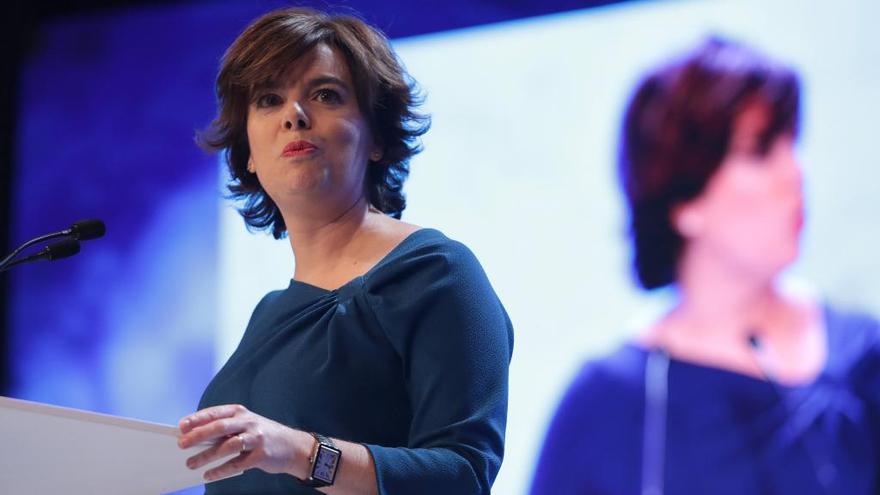 Santamaría promete mantener a Luis Venta, Mercedes Fernández y Pérez Espinosa en el equipo directivo del PP si es presidenta