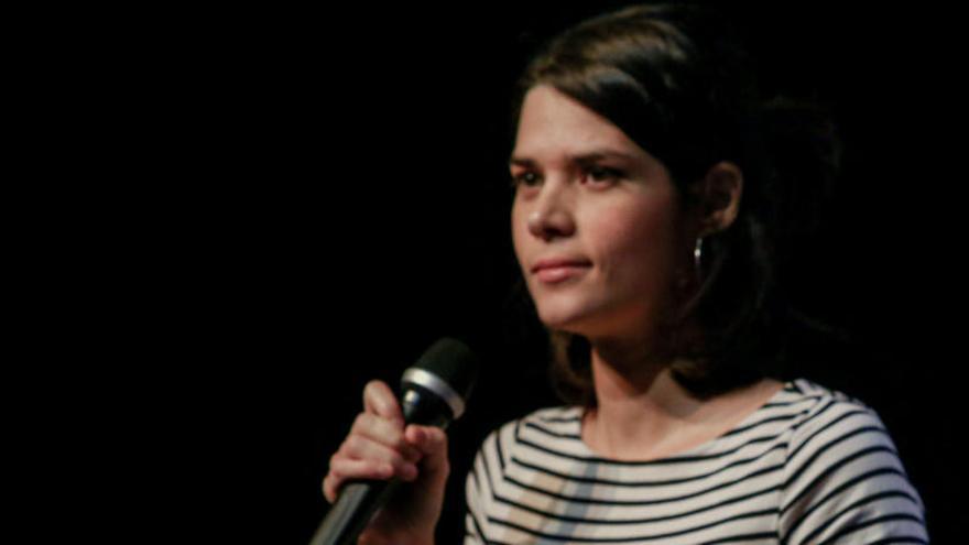 La Fiscalía pide 2 años de cárcel para Isa Serra por desórdenes en un desahucio