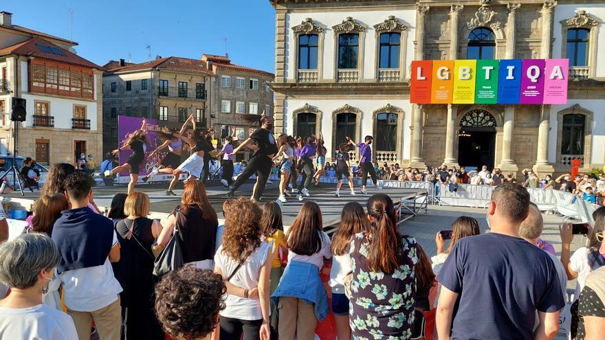 """Danza para """"gastar pista"""" en la plaza de España"""