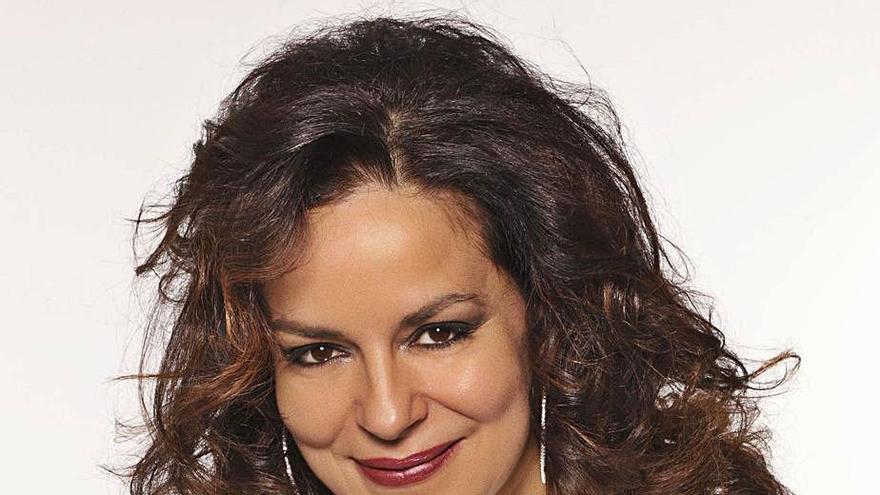 """Nancy Fabiola: """"Cantar con mascarilla es horrible pero hay ganas de continuar la vida"""""""