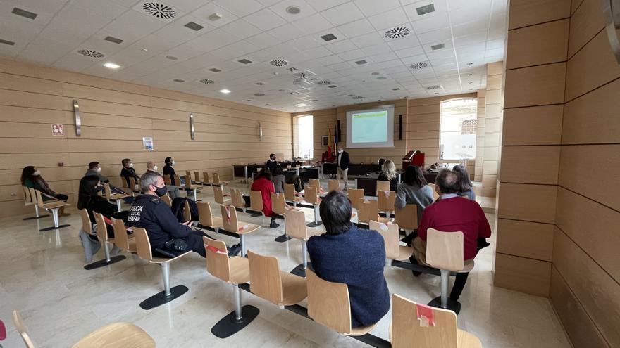 Alfafar forma al personal municipal en el nuevo programa de gestión tributaria