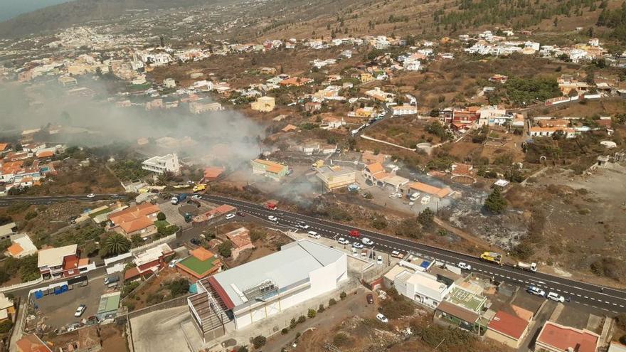 Vista aérea del incendio declarado en El Paso.