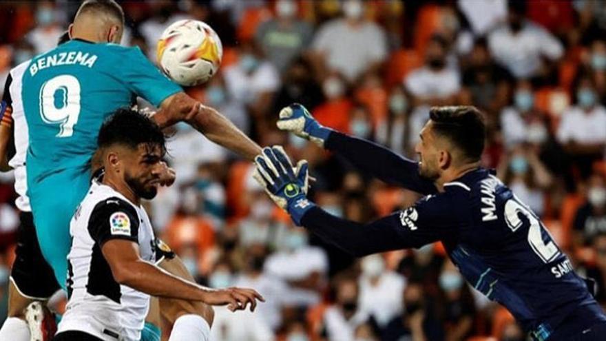 Polémica: ¿Hubo mano de Benzema en su gol?