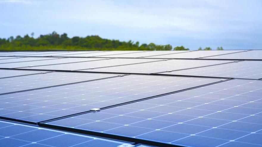 Instala placas solares en Tenerife sin poner un euro de tu bolsillo y ahorra en tu factura gracias a la energía verde