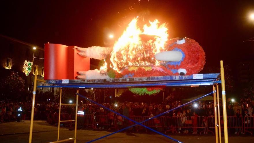 Ravachol es pasto de las llamas: se despide el carnaval 2019