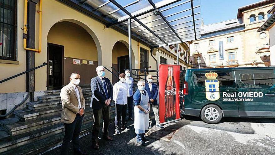 El club dona refrescos a la Cocina Económica