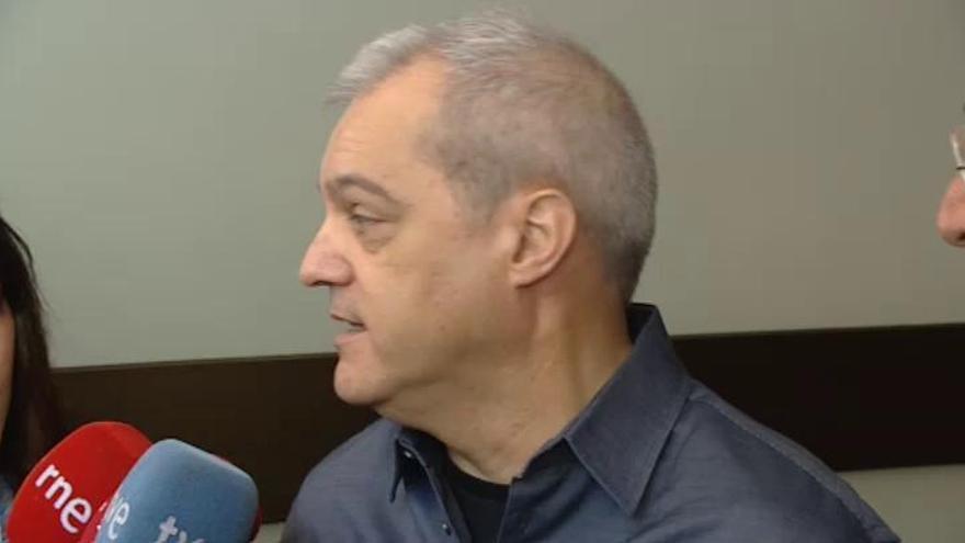 Familiares y compañeros de profesión despiden a Chicho Ibáñez