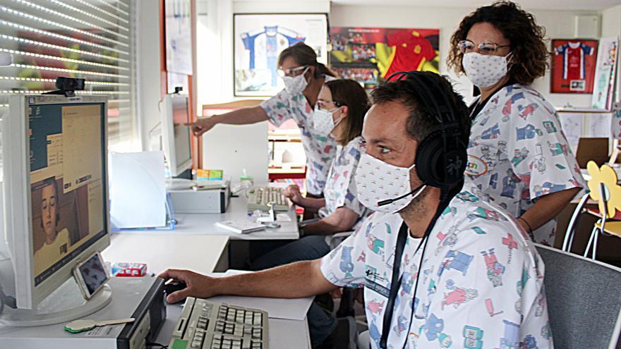 El Aula Hospitalaria del General de Alicante ofrece docencia telemática a los menores con patologías sensibles al covid
