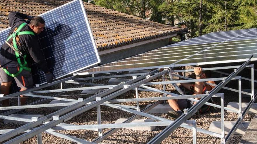Cinco colegios de Alcoy se autoabastecen de electricidad a través de placas solares