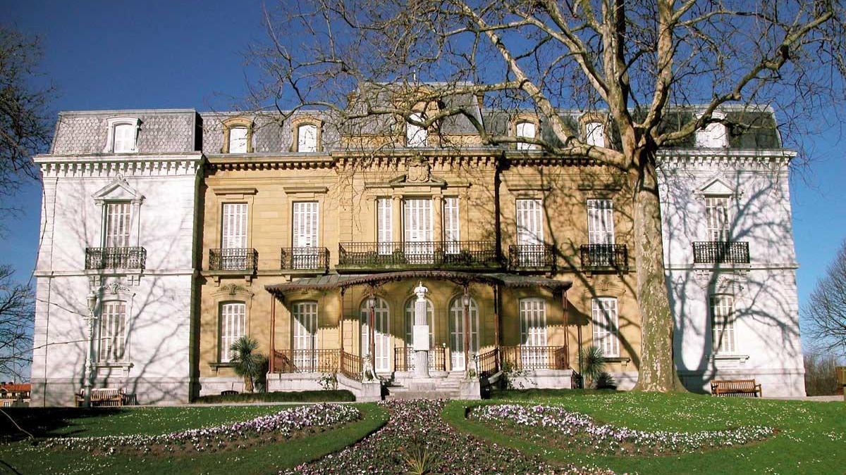 Isabel II, María Cristina, Victoria de Inglaterra o Eugenia de Montijo son solo algunas de las mujeres que han sido en algún momento de la historia señoras o invitadas en el palacio de Aiete.