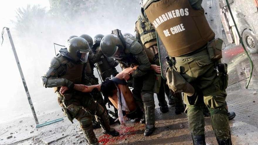 Piñera y la oposición abren un proceso para liquidar la Constitución de Pinochet