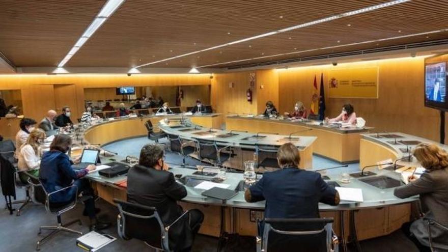 Los sindicatos piden al Gobierno evitar compromisos con Bruselas que dejen sin oxígeno el diálogo social
