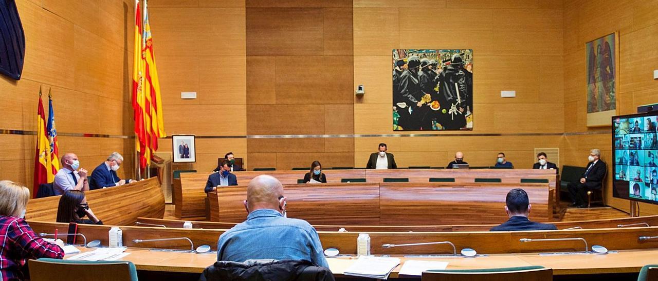 El pleno de la  Diputación de  València, celebrado ayer.