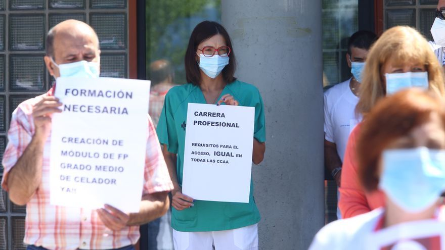 Emprenden acciones legales contra el gerente del Hospital de León por imponer funciones de celadores a técnicos en cuidados de Enfermería
