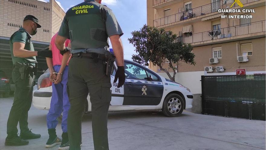 Detenido por el robo de once vehículos en Crevillent